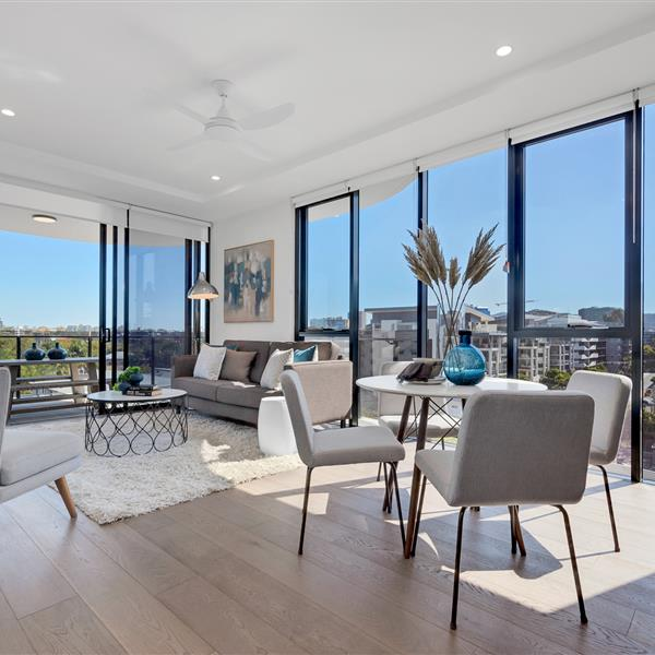 20305/1 Ferry Road, West End