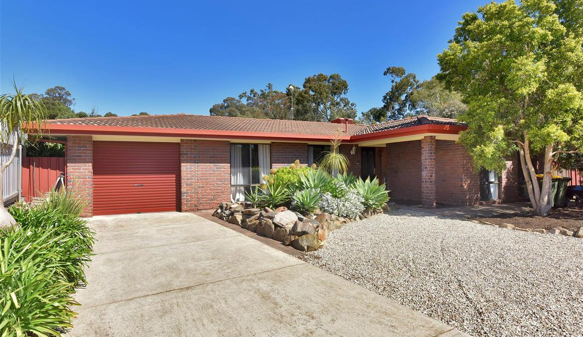 64 Horn Drive Happy Valley SA