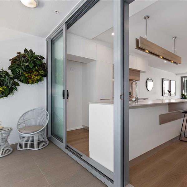 0105/43 Ferry Road, West End