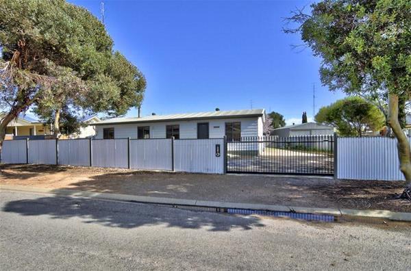 33 Moontana Avenue Moonta Bay SA