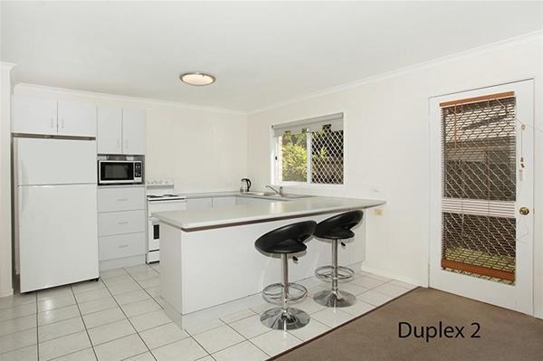 1 & 2/18 Sapphire Drive NAMBOUR QLD