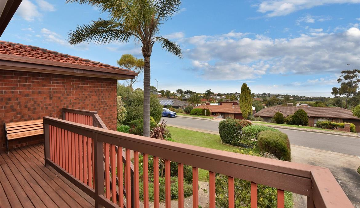 17 Coringle Crescent Hallett Cove SA