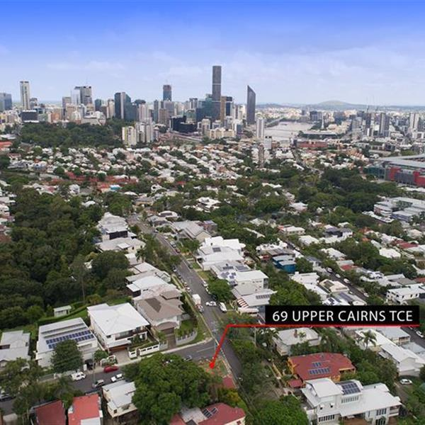 69 Upper Cairns Terrace, Red Hill