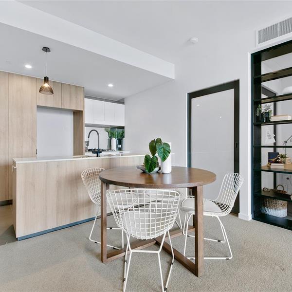 1706/4 Edmondstone Street, South Brisbane