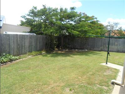 2/40 Wide Bay Drive Eli Waters QLD